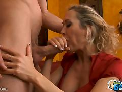 Brandi Love gets her round bubble butt pounded doggystyle