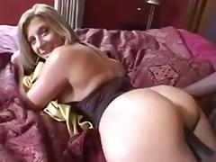Mature pawg porn