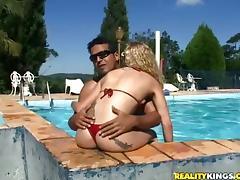 Super sexy blond siren Julia Fontanelli is loving it huge