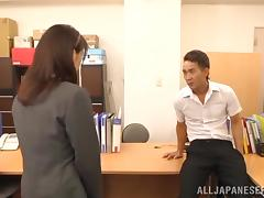 Ki Hanyuu the slutty office chick gets fingered by a colleague