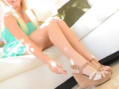 Feet, Feet, Reality, Solo, Model