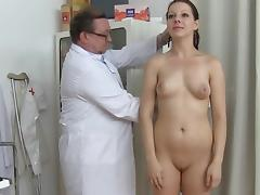Gyno doctor if touching puss of Tarya King porn tube video