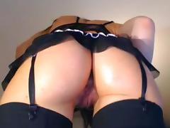 Busty slut shakes her booty in kinky outfit
