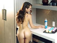 Steamy Riley Reid Touches Herself In A Solo Model Video