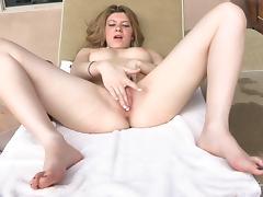 Freaky Babe Enjoys Toying Her Freshly Shaved Pussy