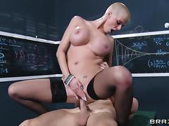 Great sex with the busty bald babe Joslyn James tube porn video