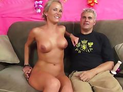 Delicious Laura Crystal Serves A Fantastic Blowjob