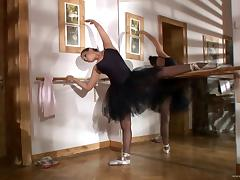 Aleska Diamond fingers her pussy in a ballet class tube porn video