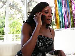 Diamond Jackson lets Toni Ribas fuck her black asshole