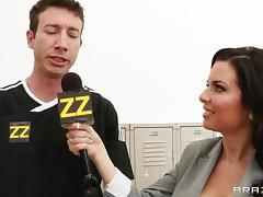 Veronica Avluv enjoys a gangbang in the locker room and gets a bukkake