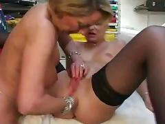 French mature lesbians toying and anal fisting tube porn video