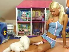 Niki Blond plays with her pussy and dolls in solo clip