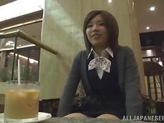 Minami Hirahar blows a guy until her mouth's filled by semen