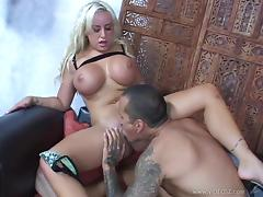 Amazing sex leaves Savannah Gold with a mouthful of cum porn tube video