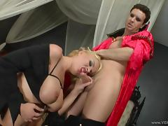 Amazing Krissy Lynn Serves A Yummy Blowjob Before Having Wild Sex