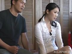 Asian hottie is fucked by her man in hot springs spa