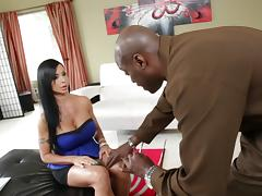 Busty brunette wench Jewels Jade gets polished by Lexington Steele porn tube video