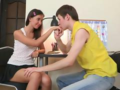 Delicious Leslie Anne Banks Goes Hardcore With A Dirty Boy