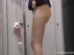 Office lady in mini skirt enjoys hardcore pounding in a toilet