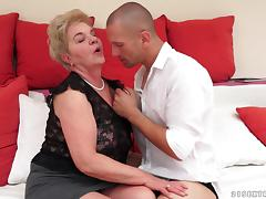 Horny Mature Lady Gives A Hot Head And Gets Her Hairy Pussy Drilled