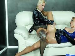 Uma and Anita Vixen scissoring tube porn video