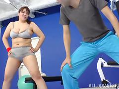 Amazing Chubby MILF Serves A Great Titjob In The Gym porn tube video