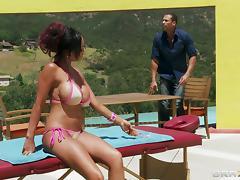 Priya Anjali Rai gets fucked by nasty masseur Karlo Karerra ooutdoors