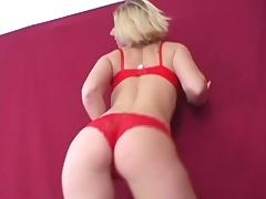 MILF blonde is getting hardcore load of cum