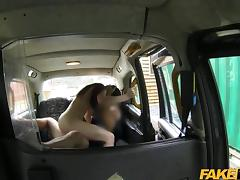YOUNG naughty englishwoman in a taxi tube porn video