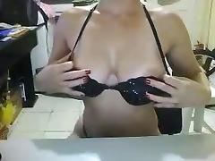 Hawt beauty in livecam
