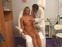 Doctor makes Patient cum
