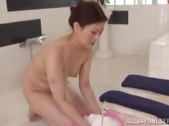 Sayuki Kanno is fucked after giving an oil massage