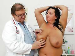 Busty chubby mom Robislava shows her vag tube porn video