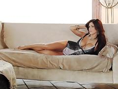 Brunette babe Meghan Nicole poses for the cam in her birthday suit
