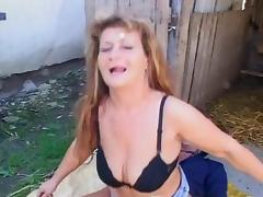 Horny mature gets her ass fucked outdoor