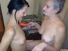 Nasty old ladu gets her hairy cunt tube porn video