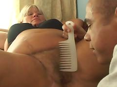 Mature fattie gets her hairy pussy drilled tube porn video
