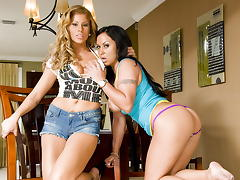 Mariah Milano & Brooklyn Lee Love Man Sauce!