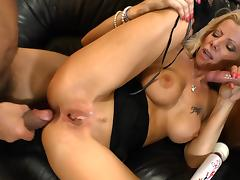Blond mom Lara De Santis enjoys a DP after working on two cocks