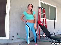 Hot Babe Gets Fucked Doggystyle After An Outdoor Exercise