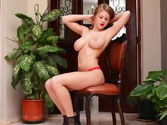 Solo session by voluptuous girl Viola