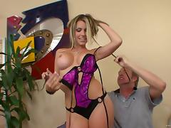 Courtney Cummz shows her cock-riding talent in hardcore scene tube porn video