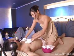 Hot Ass Kiyuri Aoki Gives Boyfriend A Hot Soapy Massage