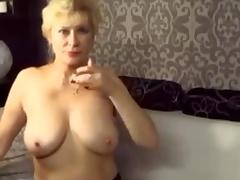 Estonian granny fingering her sweet clit tube porn video