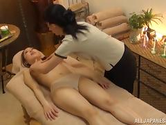 Arousing Japanese porn hottie enjoys her hot and sexual massage