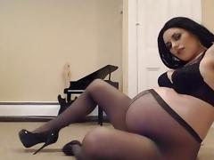 pregnant in pantyhose posing on cam