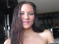 Amateur brunette drives a man crazy with a great blowjob