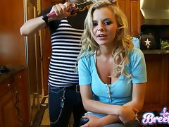 Blonde porn beauties Kelly Madison and Bree Olson sucks a big cock