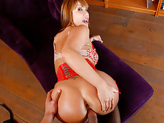 Ava Devine & Carlo Carrera in House Wife 1 on 1