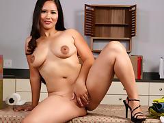 Jessica Bangkok & Jenner in Asian 1 on 1 tube porn video